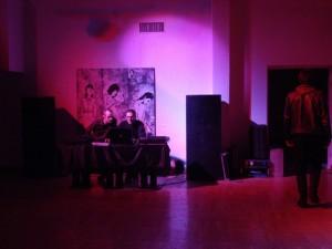 Elektroninės muzikos programa po festivalio atidarymo.