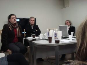 Konferencijos dalyviai: Gintautas Mažeikis, Jurgis Dieliautas ir festivalio rengėjas Virginijus Kinčinaitis.