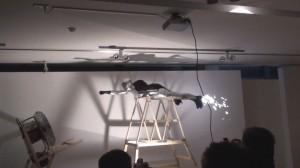 Menininkas, skriejantis dideliu greičiu. Pasirodymas Jono Meko vizualių centre, 2009