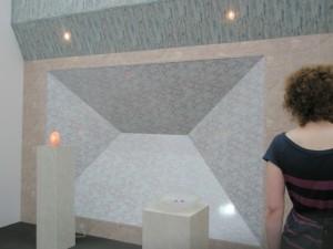 Zilvino Landzbergo instaliacija Lisa Frieze galerijos Fon Welters is Amsterdamo stende