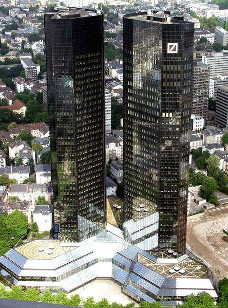 """Deutsche Bank"" dangoraižių kompleksas Frankfurte prie Maino, Vokietija."