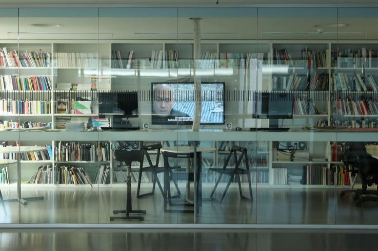 Substitution, video, 2015, NDG Dailės informacijos centras_2